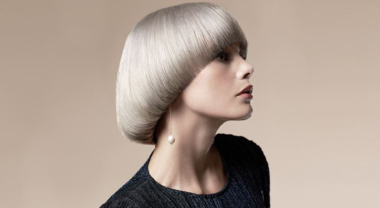 IdHAIR The Art of Balance_woman with blond bowl cut